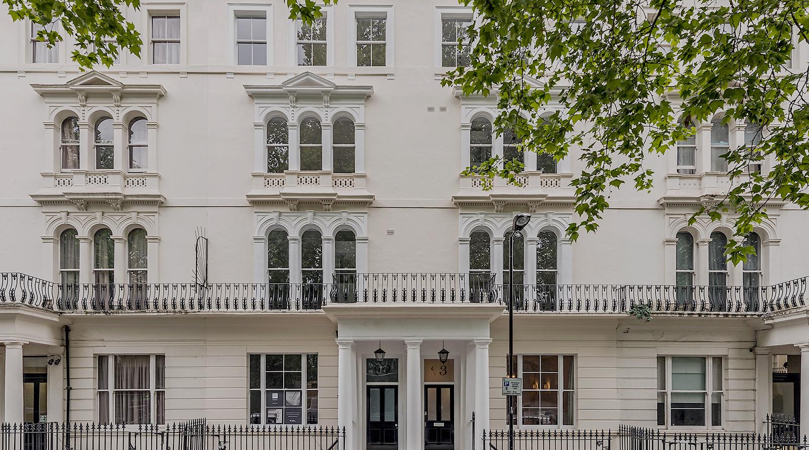 22 Kensington Gardens Square   W2
